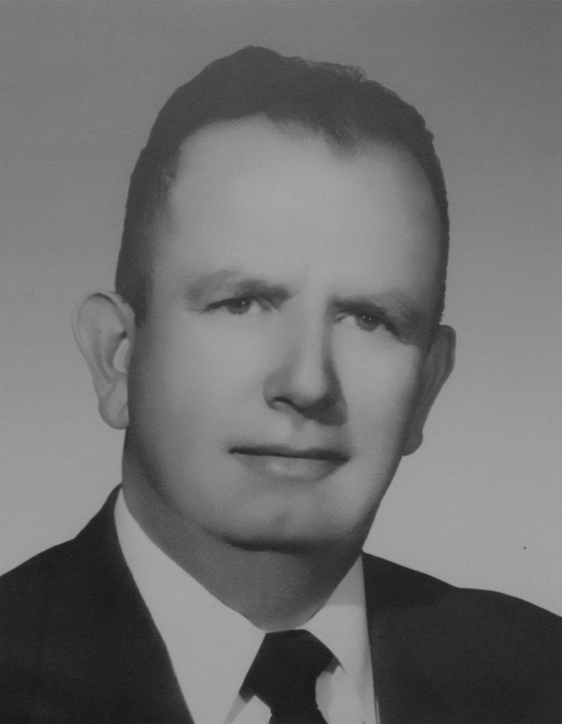 Dr. Andrés Bustamante Gurría