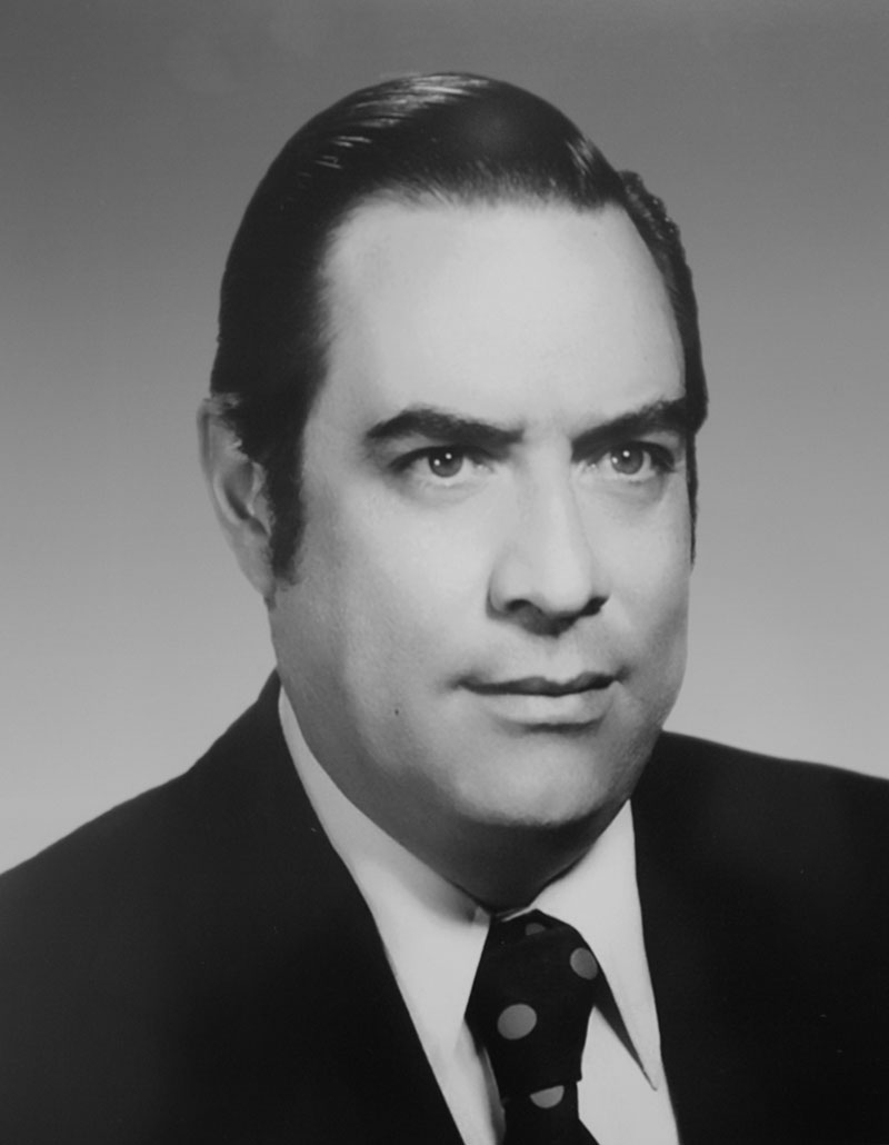 Dr. Andrés Delgado Falfari