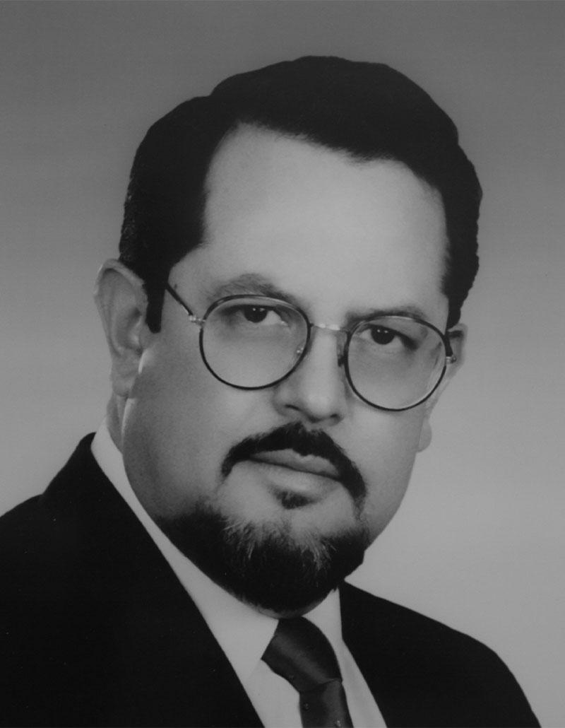 Dr. Armando González Romero