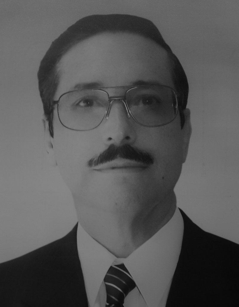 Dr. Edgard Novelo Guerra