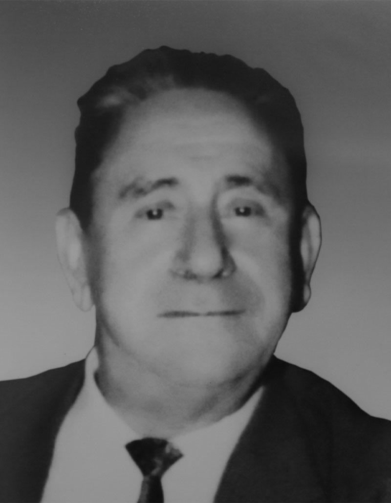 Dr. Juan Becerril Carmona