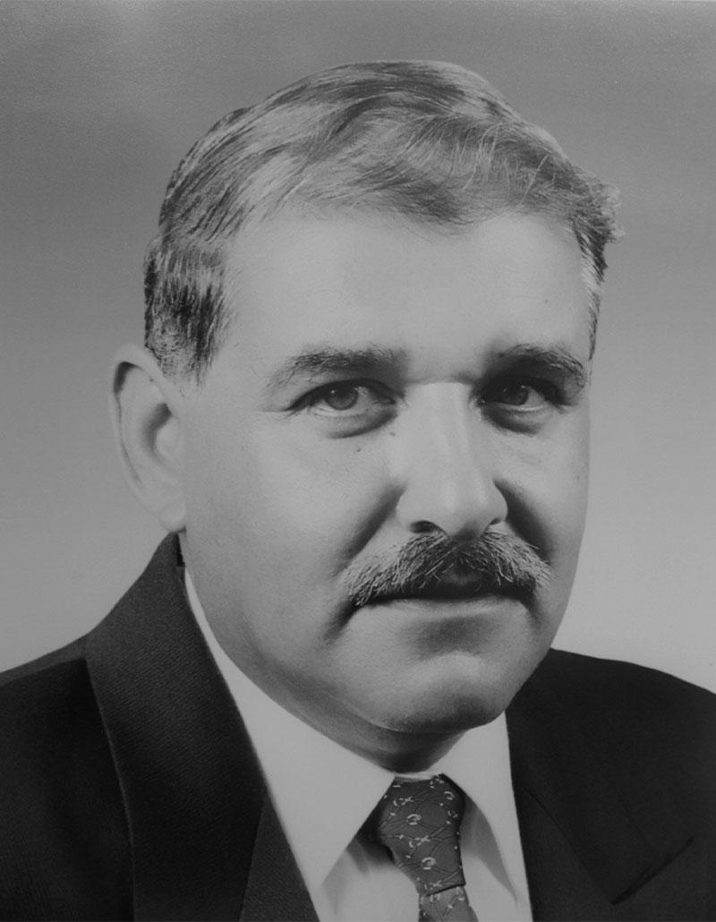 Dr. Miguel Ángel García García