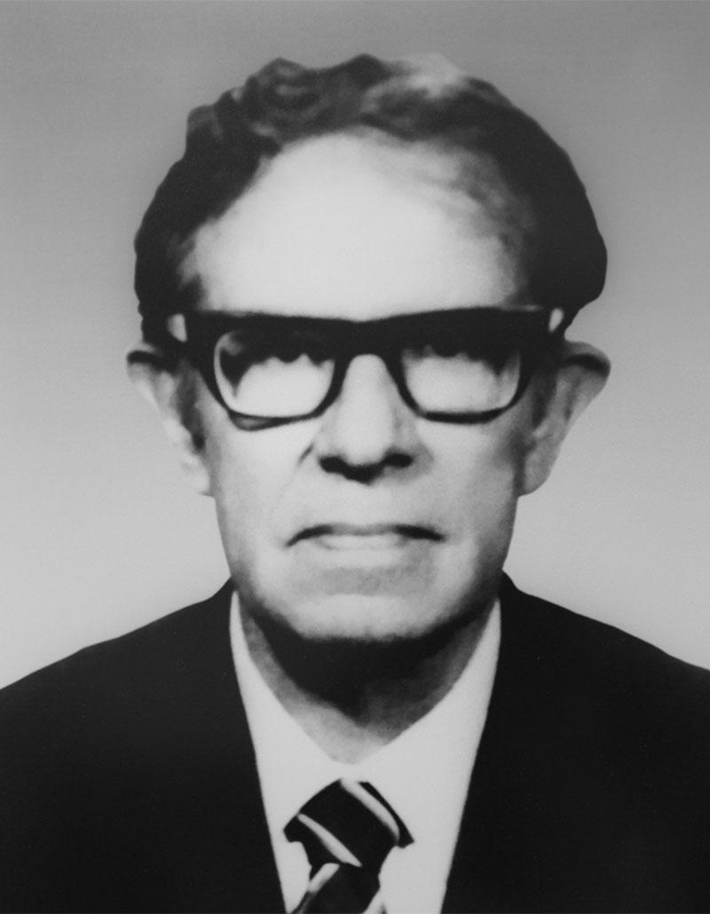 Dr. Pedro Andrade Pradillo