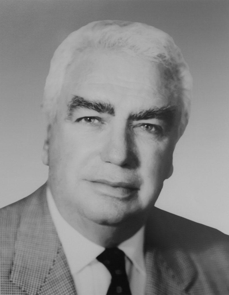 Dr. Ramón Ruenes Fernández