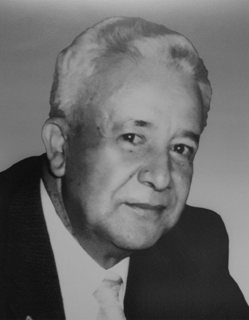 Dr. Rubén Mingram Camargo
