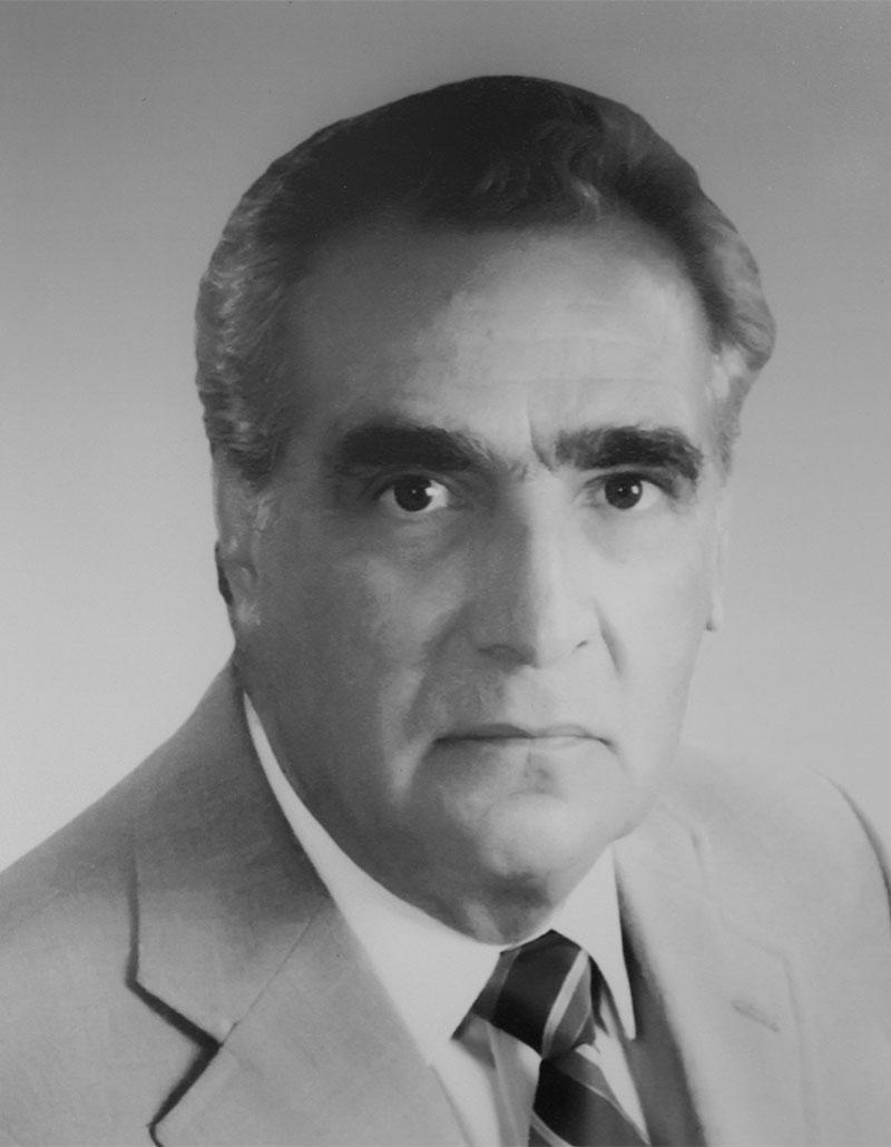 Dr. Tomás Azuara Salas