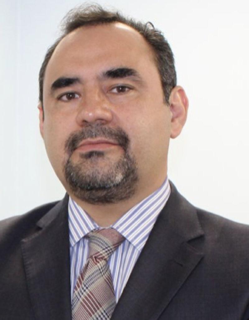Dr. Armando Castorena